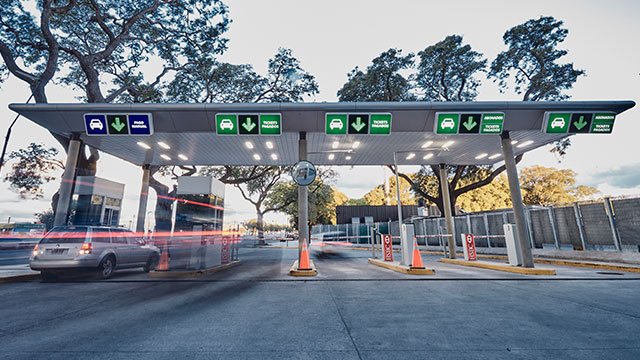 Entry to an Argentine Airport Parking With Access Control