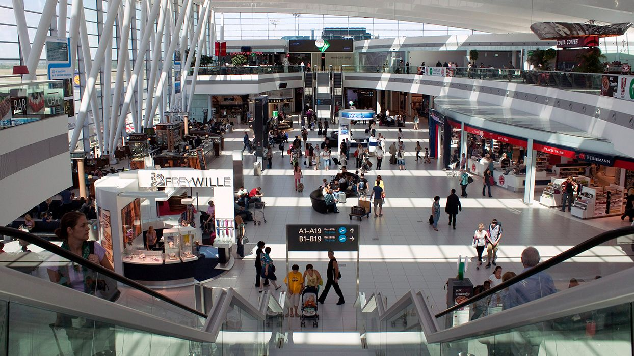 Hassle_free_border_control_at_Budapest_Airport_Main_picture_640x360